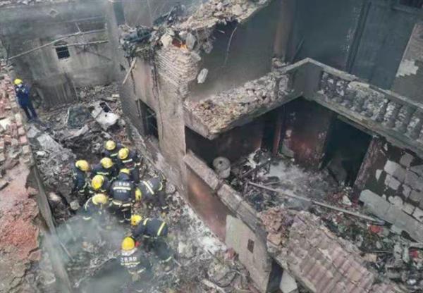 江西飞机坠毁致5死 民航监管局介入:坠毁原因需专业人员分析