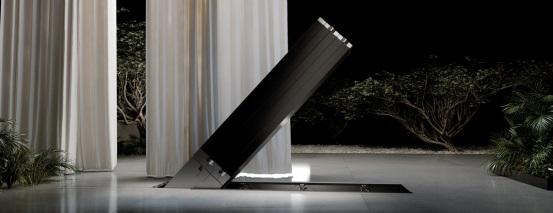 全球首款165英寸可折叠电视亮相:售价高达259万元