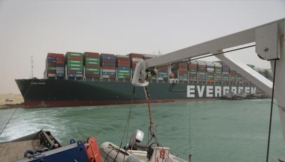 长赐号货轮仍停留在苏伊士运河:被索赔10亿美元 不赔不放行