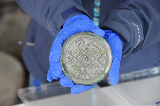 2000多年西汉铜镜仍光可鉴人:可媲美现在用的玻璃镜子