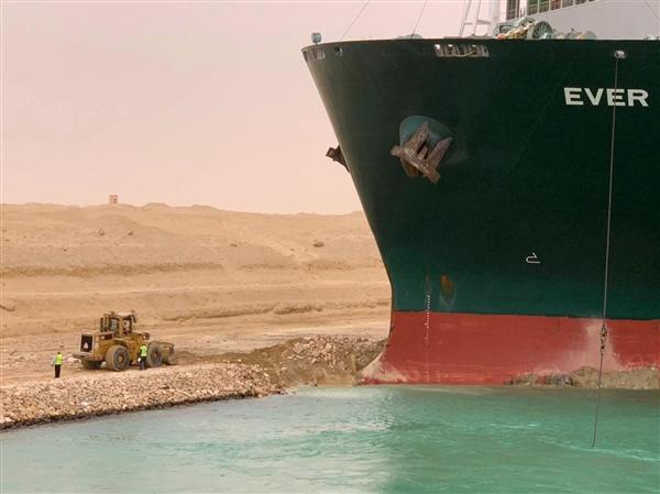 苏伊士运河被堵不光有经济损失:该地区二氧化硫浓度上升5倍