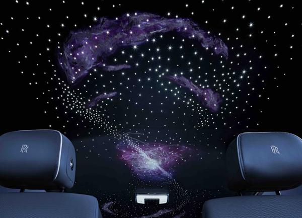 劳斯莱斯幻影天魄中国首发!躺在车里看星河