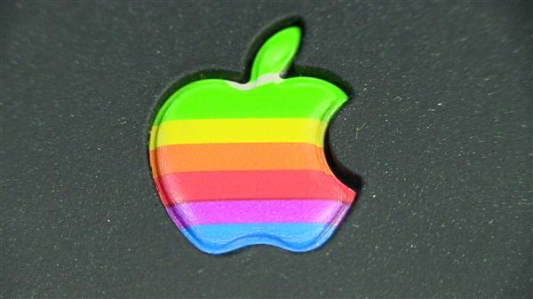 电池缩水 苹果新款16英寸MacBook Pro已在路上