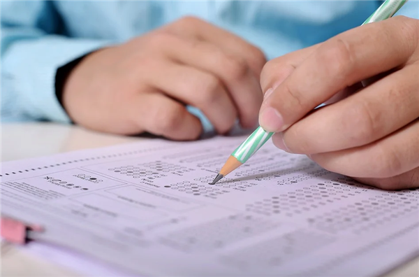 """北京考生数学""""难哭了"""" 高考数学试题权威评析:倡导学以致用"""