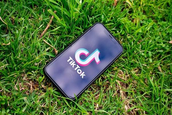 突发!美国总统拜登撤销对TikTok及微信禁令
