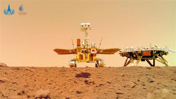 """天问一号着陆火星首批科学影像图:围观火星上的""""中国印迹"""""""