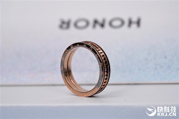 荣耀50系列发布会邀请函到手:内含一枚戒指 大有玄机