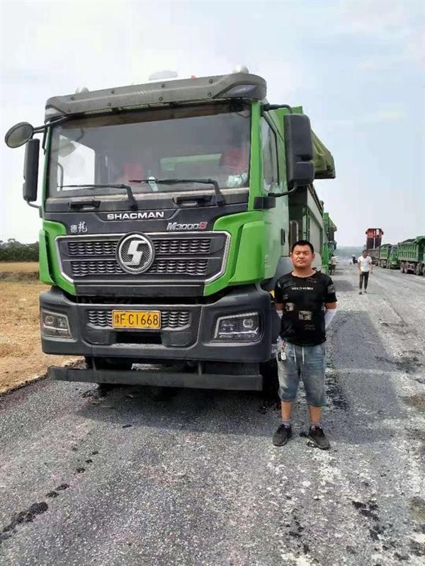 河南鹤壁投车堵决口的卡车司机发声:再有一次 还会投车