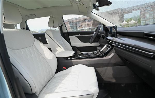周迅代言!五菱银标战略级SUV星辰9月16日正式上市