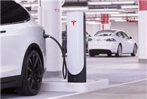 第一批特斯拉Model S陆续过保:官换电池报价3万美元