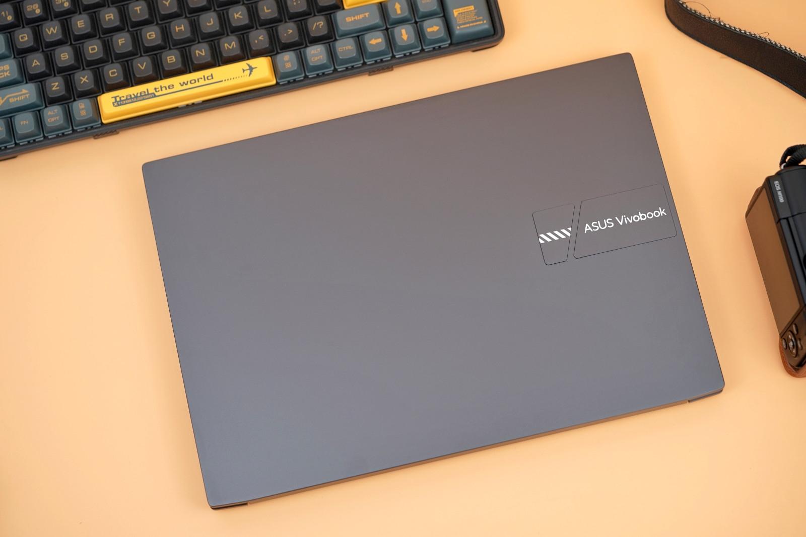 華碩無畏Pro 14酷睿版圖賞:2.8K OLED屏 滿眼驚艷