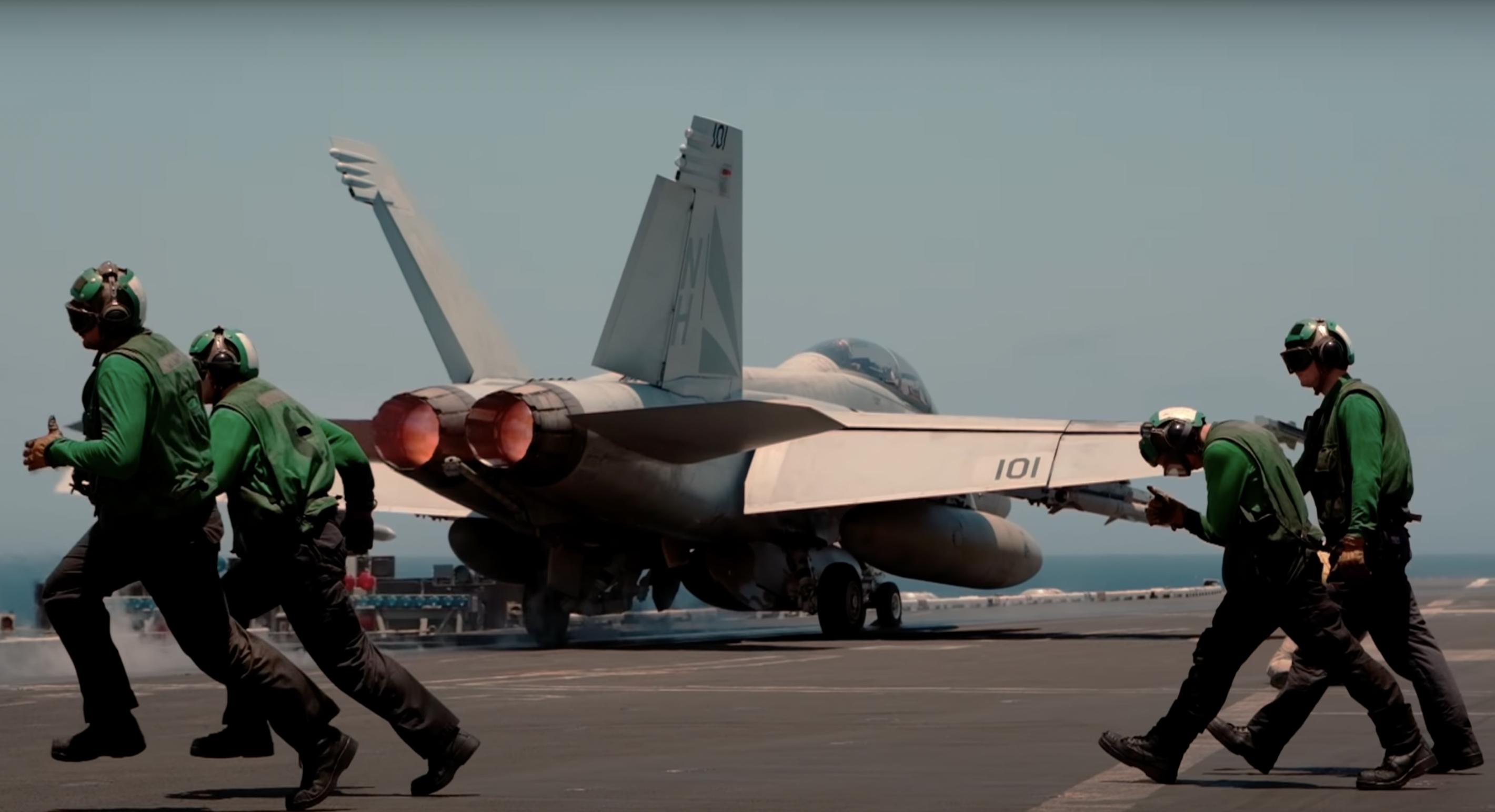 《壮志凌云2》替代品:VFA-154中队出击